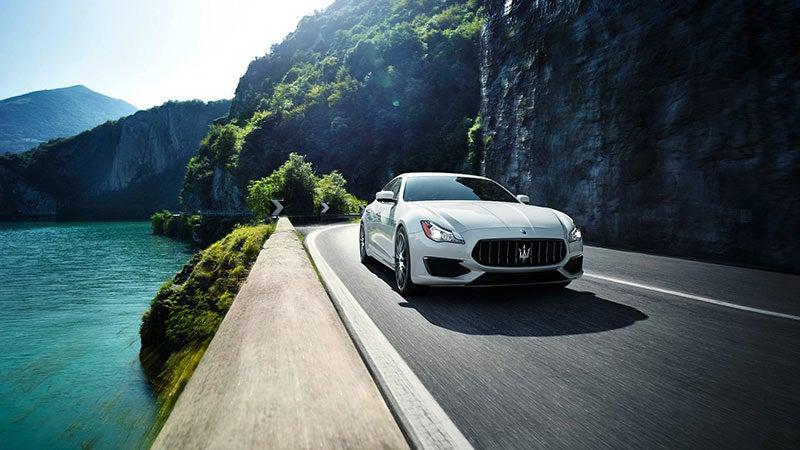 https://www.maseratiraleigh.com/assets/shared/CustomHTMLFiles/Responsive/MRP/Maserati/2017/Quattroporte/images/2017-Maserati-Quattroporte-01.jpg